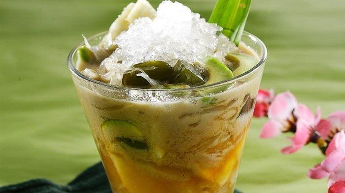 Kesegaran Segelas Es Rumput Laut Cincau Bisa Membuat Lidah Menari-nari!