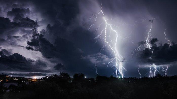 Prakiraan Cuaca BMKG di 33 Kota Besar Besok, Jumat 31 Januari 2020: Palembang Hujan Disertai Petir