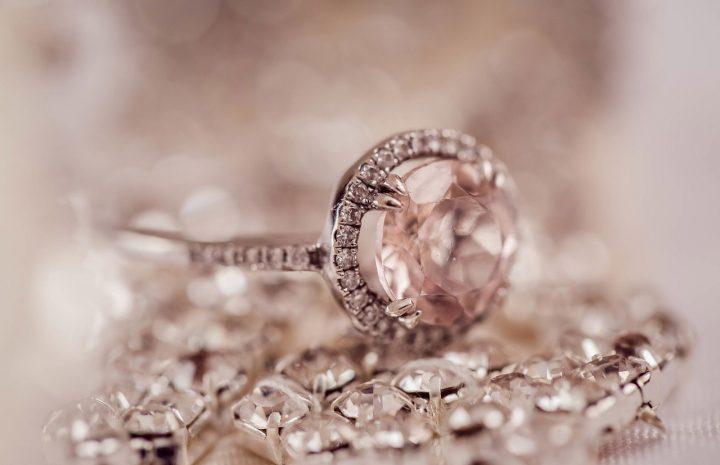 Model Perhiasan Terbaru yang Populer